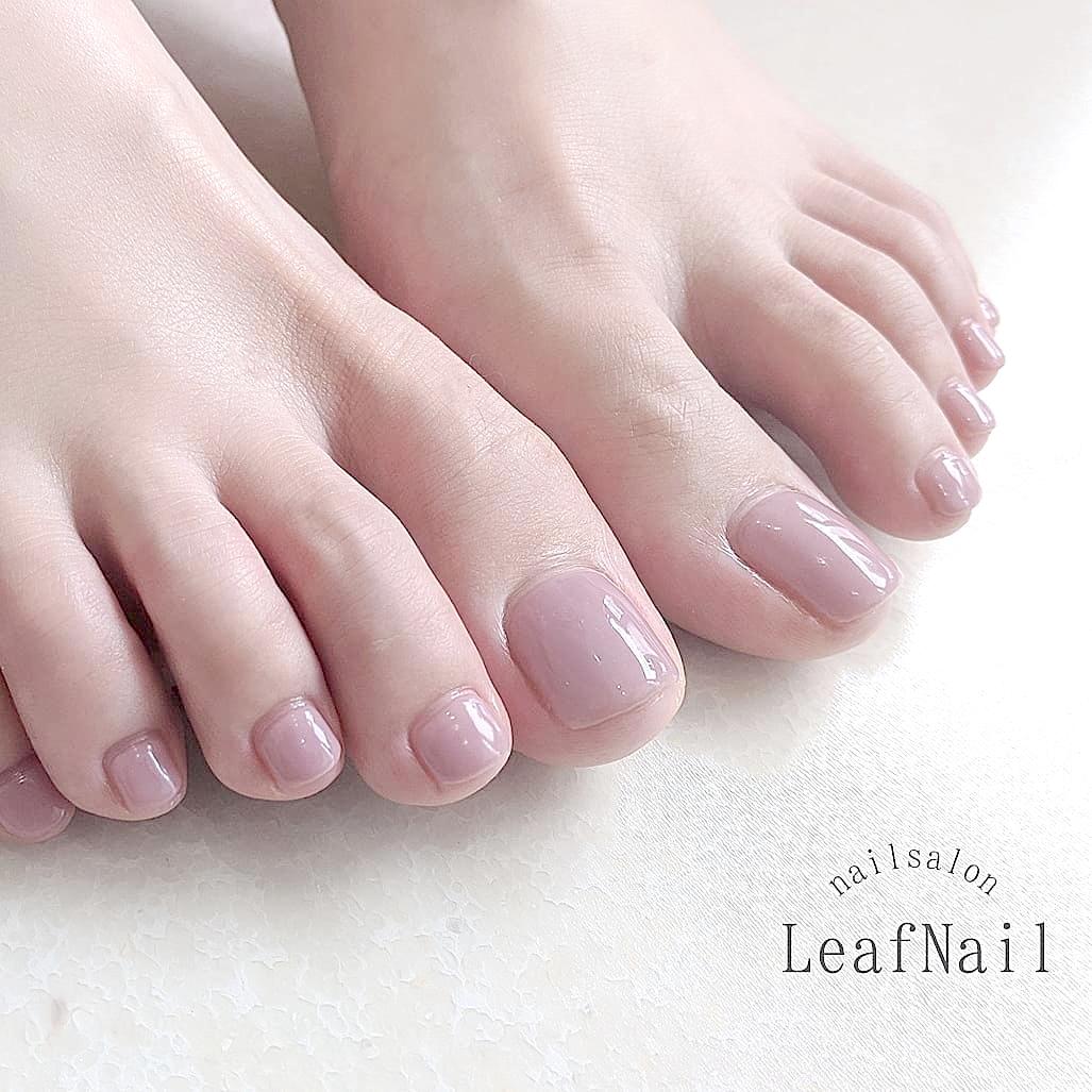 【お客様ネイル】シンプルイズベスト!ワンカラーフットネイル☆紫みピンクなのにとても肌馴染みのいいお色♪